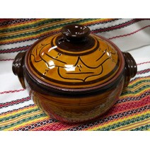 Covered pot traditional bulgarian ceramic 3,0 l.