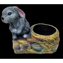 Ceramic stump pot wit rabbit