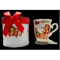 Christmas mug in a luxury round box