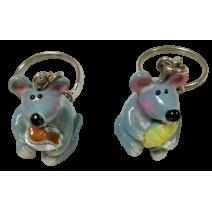 Poliresin keychain of mouse