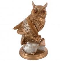 Decorative figure - an owl on a book