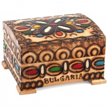 Wooden box - small one with pyrography